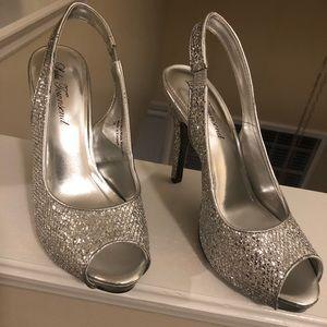 Silver heels 7 1/2